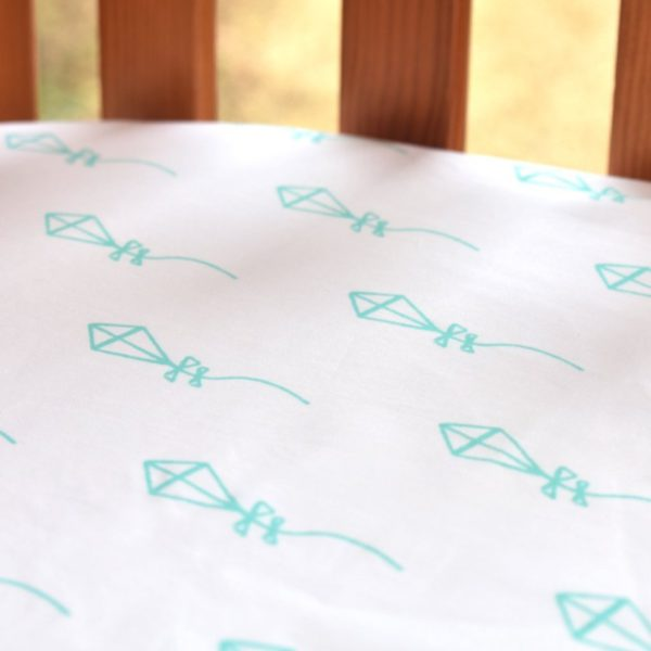 Fitted cot bed sheet (kites print) 1