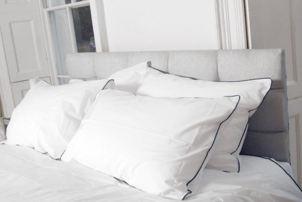 Piping edged organic cotton duvet sets 3
