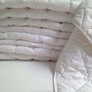 Luxurious and pure organic cot duvet