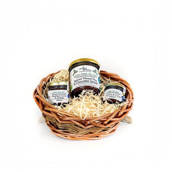 Organic hamper basket: healthy, delicious and plastic free gift basket