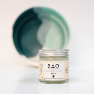 Multi-use organic balm with Shea butter and Frankincense