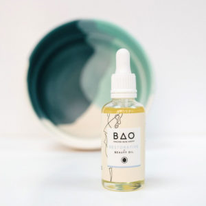 Organic beauty oil with Neroli and Frankincense