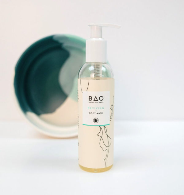 Reviving organic body wash with Grapefruit and Papaya