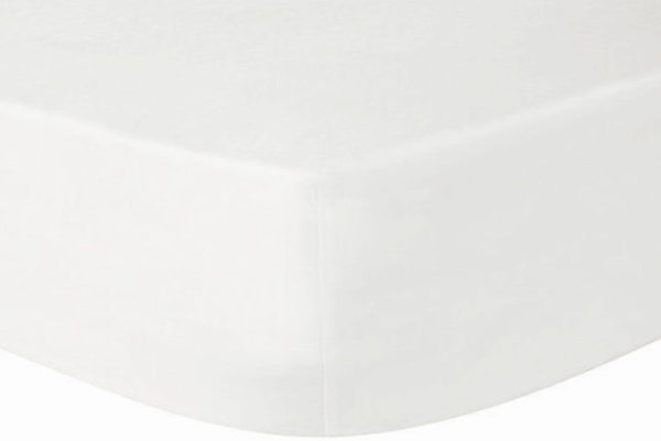 Luxurious white organic fitted sheets