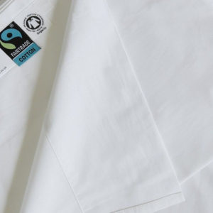 Luxurious white organic flat sheets