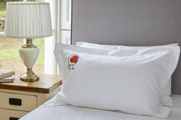 Robin Red Breast Standard Oxford Organic Pillowcase